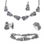Bev - Сребърен комплект от пет части с Цирконий - Колие, Гривна, Висулка, Обеци и Пръстен 8000059-Сребърни бижута